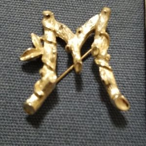 Vintage Sarah Coventry gold tone letter M brooch